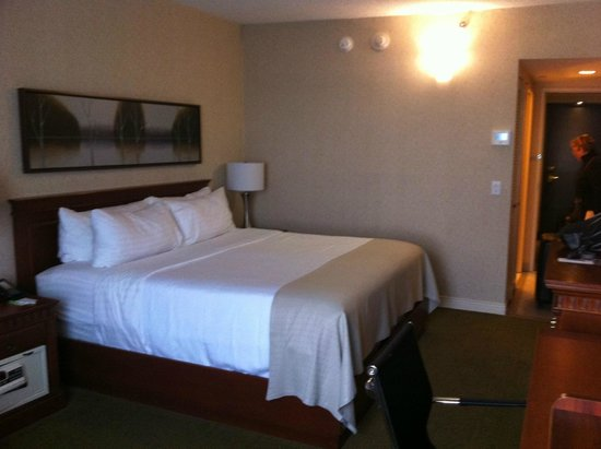 Holiday Inn Montreal Airport: notre chambre