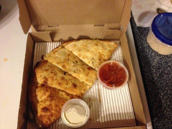 Antonia's Pizzeria : Chicken Quesadilla