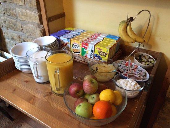 Mousetrap Inn: Breakfast
