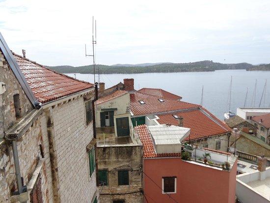 Indigo Hostel: Rooftop terrace view