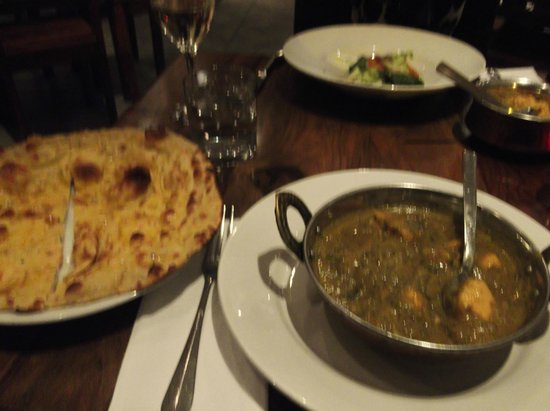 rivage: curry with garlic naan