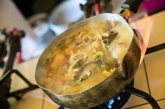 Le Jaenzan Restaurant : Kochkurs: Einiges musste lange auf dem Herd bleiben...