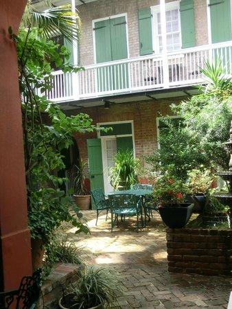Hinterhof Picture Of Bon Maison Guest House New Orleans