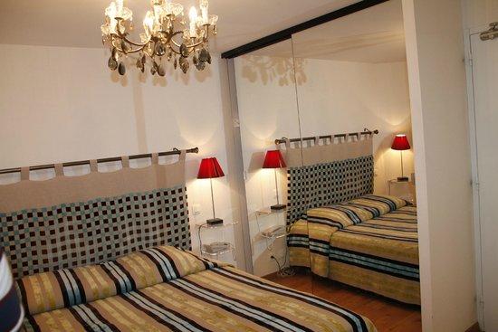 veranda pour le restaurant - Picture of Chateau de la Dame Blanche ...