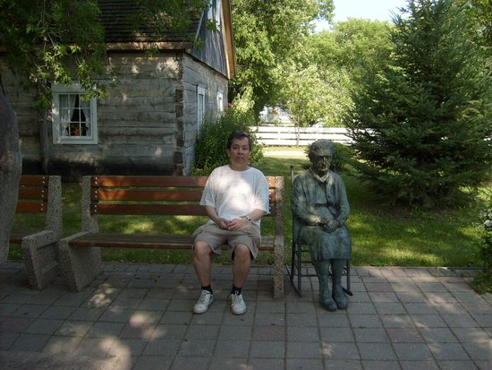 Mennonite Heritage Village: Just on the other side of the entrance building of the village before entering the village