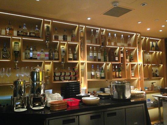 Tokoro - Robatayaki & Whisky Bar: whisky bottles