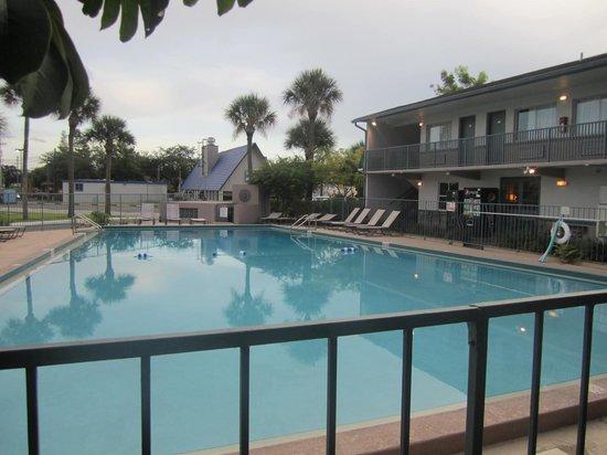 Super 8 Kissimmee: la piscine