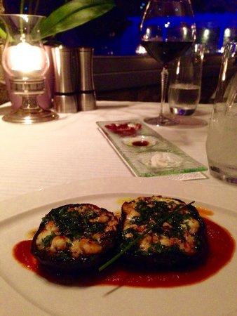 Aphrodite Restaurant @ Mykonian Ambassador Hotel: Really good starter