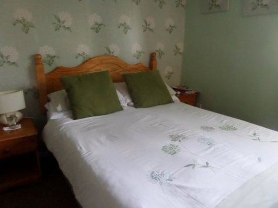 The Coach House Hotel: bedroom 1