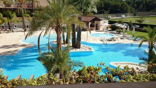 Denia La Sella Golf Resort & Spa : Piscina de diurna