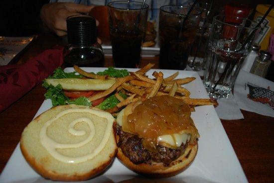 Diamond Belle Saloon: hamburger della casa