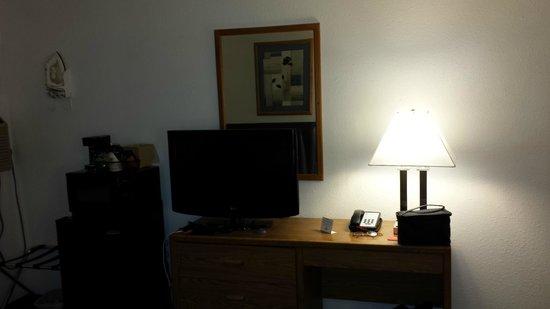Super 8 Boise : TV and wifi