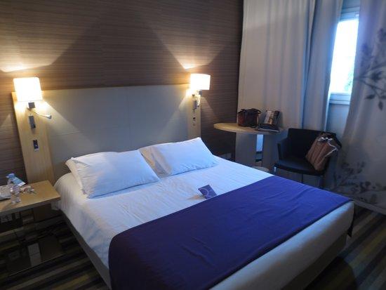 Mercure Carcassonne La Cité hotel : Standard Double - Not Small but not Large