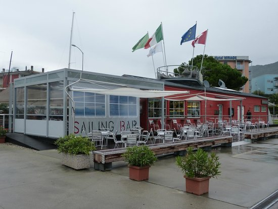 SAILING BAR: Sailing Bar RdG with additional Lazy Jacks & Roof Top to relax