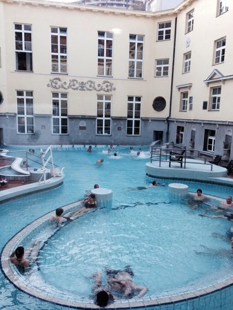 Lukacs Baths : Открытый бассейн