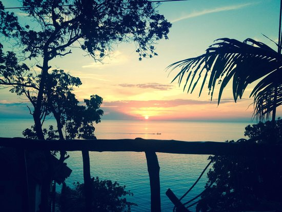 Haad Yao Bayview Resort & Spa: The stunning sunset