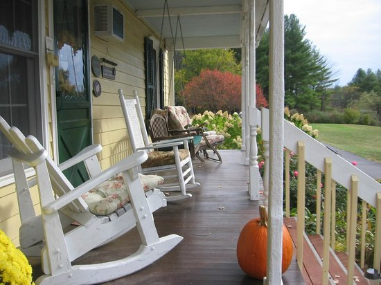The Deer Watch Inn : porch