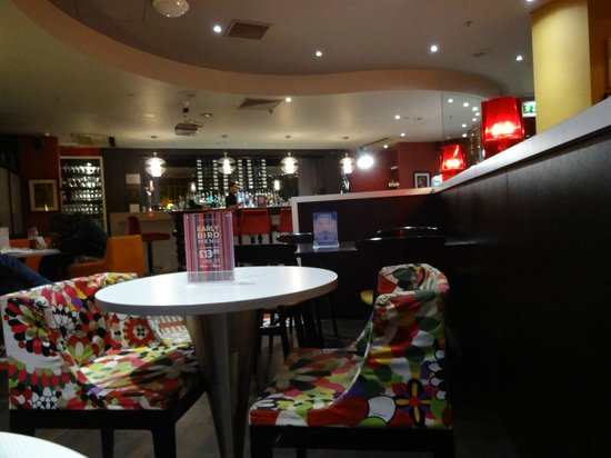 BRIC Bar and Kitchen: At 7pm it was relatively empty
