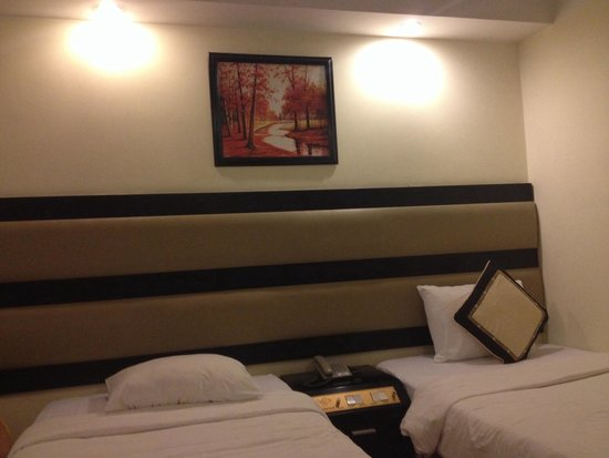 Angella Hotel: stay for a late-night-check-in