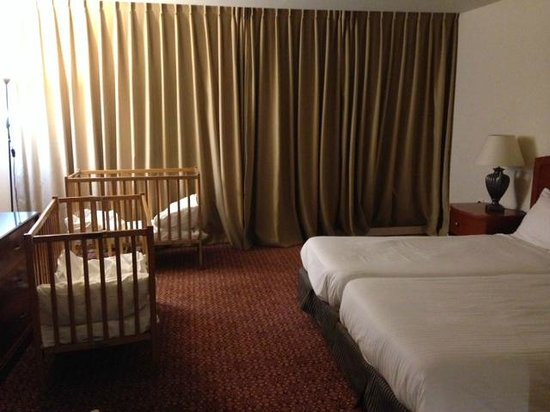 Avia Hotel : Room for 4 (adults)