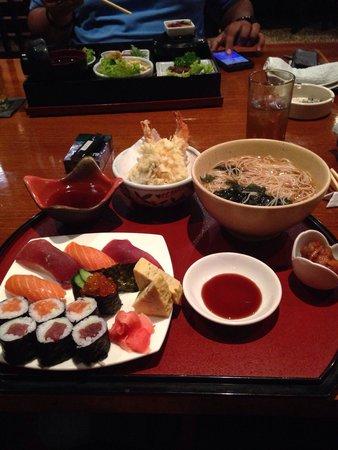Honoka: Sushi set