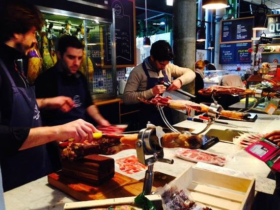 Celia Brooks Gastrotours: Tasting wonderful Spanish hams