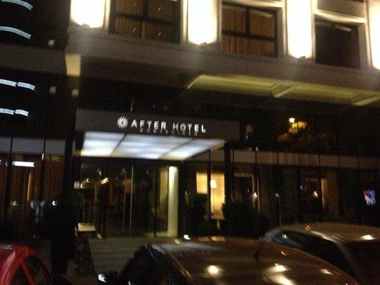 After Hotel Montevideo: Entrada do hotel