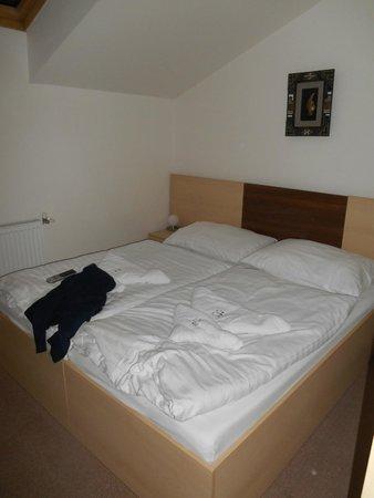Hotel Cyro: Comfortable bed