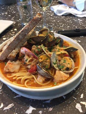 Hog Island Oyster Company: Sea food with pasta