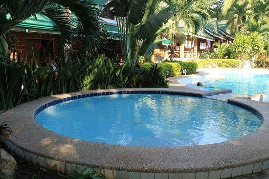Dumaluan Beach Resort: It was a good budget resort