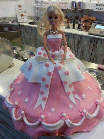 Gelateria Panama : Torta Barbie
