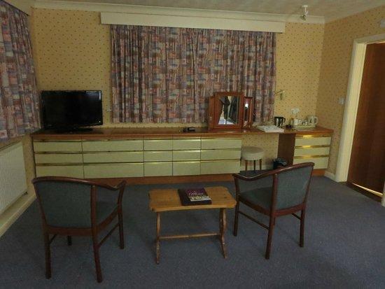 Cottage Hotel: Bedroom (1)