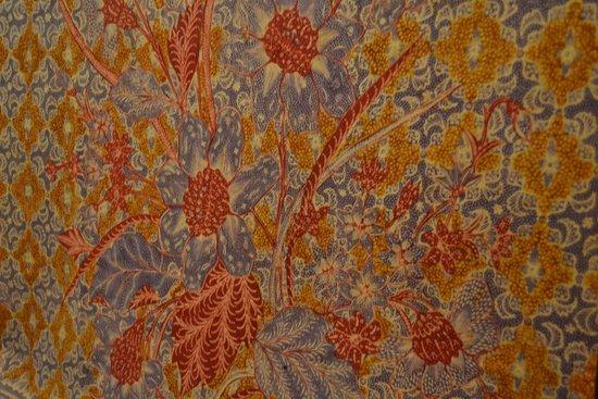 Steps of Making Batik - Foto di Museo Batik Danar Hadi, Solo ...