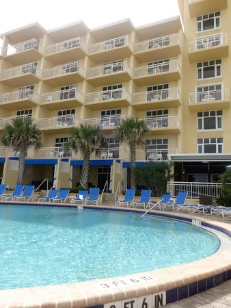 on the pool deck picture of the shores resort spa. Black Bedroom Furniture Sets. Home Design Ideas