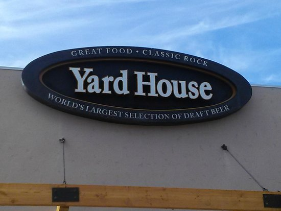 Yard House : Close up of the front sign
