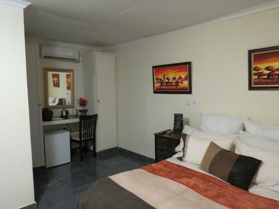 Valley View Guest House: Upstairs Room