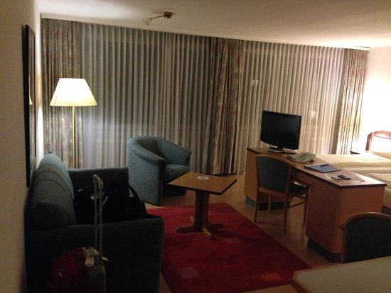 Abalon Hotel Ideal: inside room 112