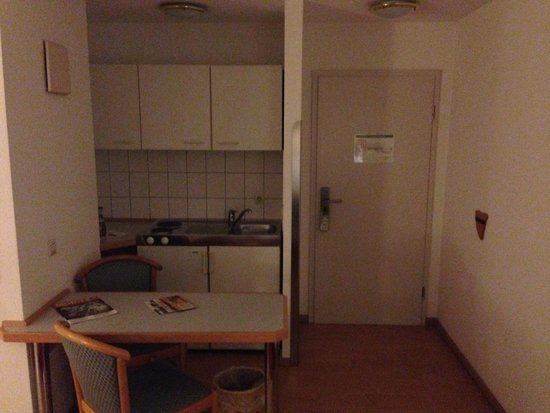Abalon Hotel Ideal: inside room 112/c