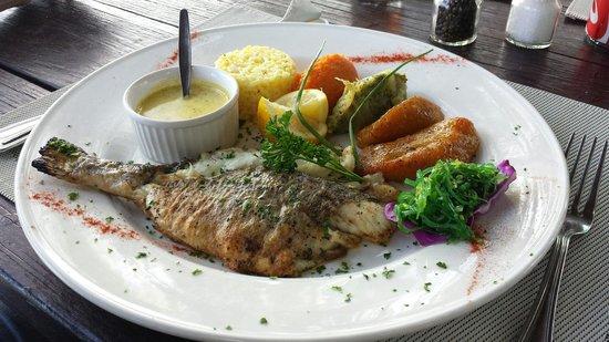 Ma Ti Beach Bar & Restaurant: Un délice pour les papilles dans un cadre magnifique et où la gentillesse règne!  Un grand merci
