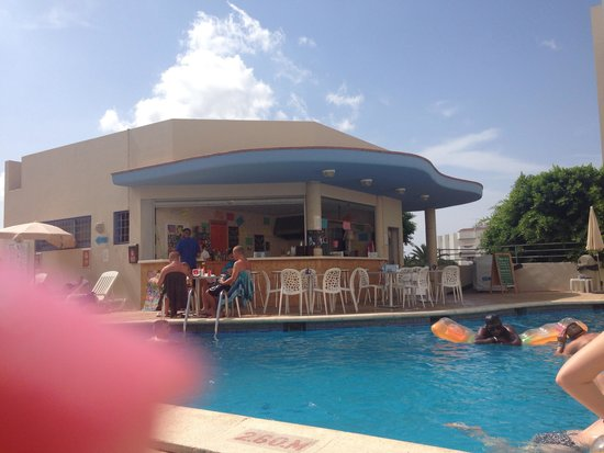 Apartamentos Poniente Playa: Pool area