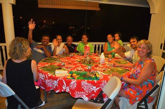 Repas entre amis picture of farehau faa 39 a tripadvisor for Repas vite fait entre amis