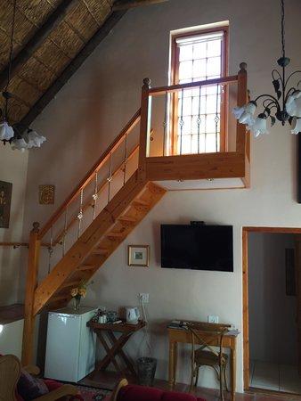7 Church Street Guest House : Treppe zum Sonnendeck von Zimmer No. 3