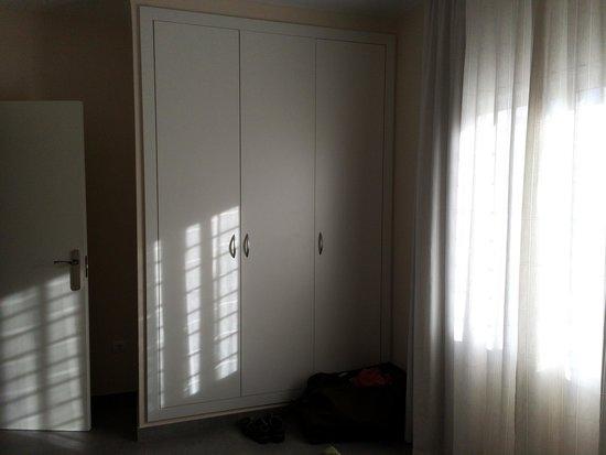 Sunway San Jorge Apartments in Sitges: Armario habitación grande