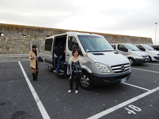 Prestige Rent : Going to Florence. All this MB van for just the 4 of us.