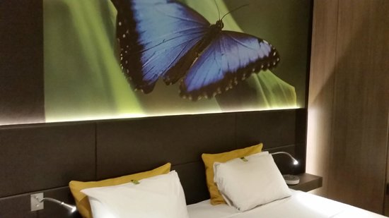 Hotel Elixir: Butterfly in main bedroom.