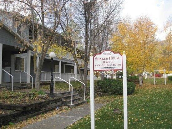 Homestead Resort: The front of Shakerhouse unit