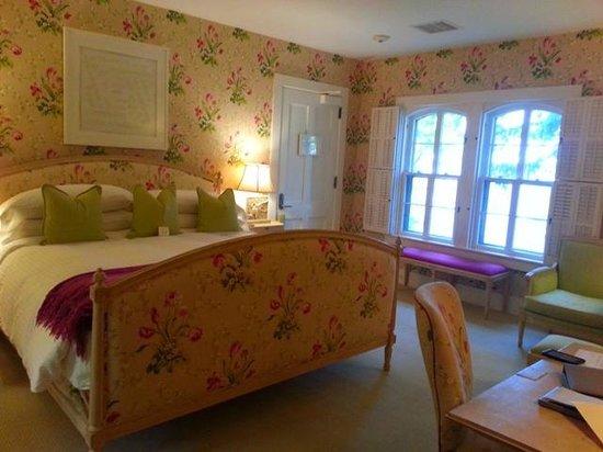 E.B. Morgan House : Room 07 - Lake View, 2nd floor
