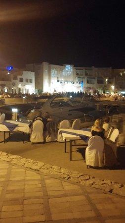 Abu Tig Marina: Free entertainment on a friday evening
