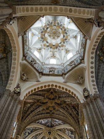 Interior de la Catedral de Tarazona - Picture of Catedral Santa Maria de la H...