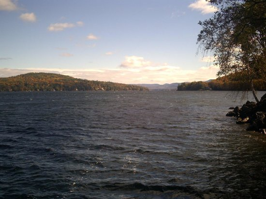 Enjoy Lake Winnipesaukee Just A Short Walk From The Tuckernuck Inn
